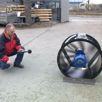Durchführung einer Schallmessung bei einem Axialventilator