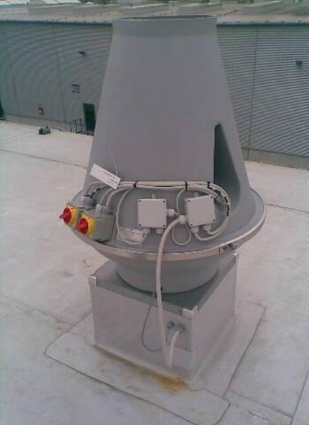 Im Betrieb befindlicher Dachventilator